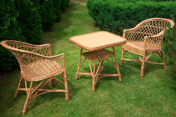zestaw-2-fotele-stolik